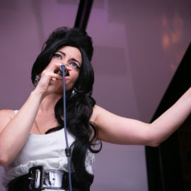 Amy Winehouse tribute - 7